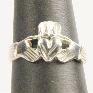 Jewelry - STERLING CLADDAGH RING - SIZE 6